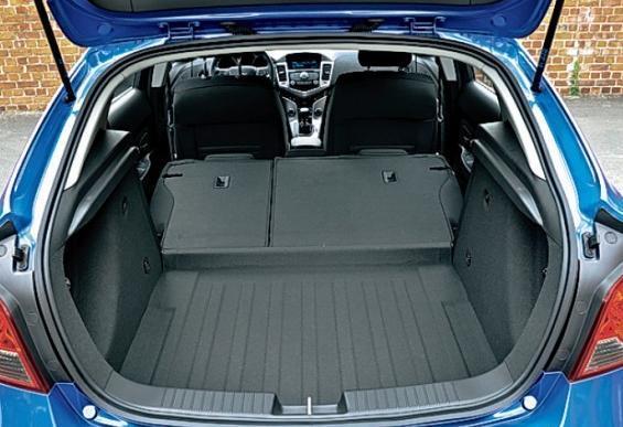 Багажник Шевроле Круз: размеры, как увеличить объем