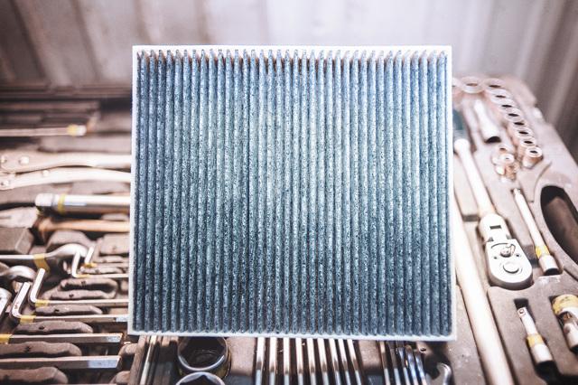 Салонный фильтр на Додж Караван: где находится, замена