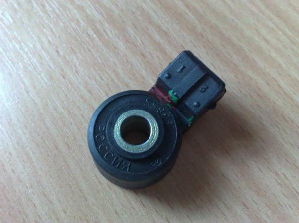 Датчик детонации ВАЗ 2109: где находится, замена