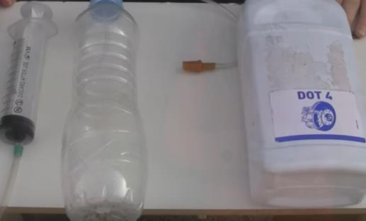 Тормозная жидкость на Митсубиси Лансер 9: выбор, замена