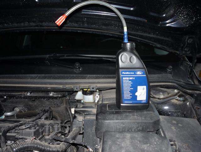 Тормозная жидкость Форд Фокус 3: выбор, замена