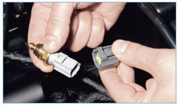 Датчик температуры Форд Фокус 2: где находится, замена