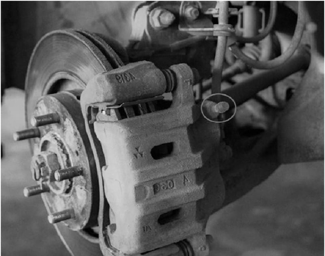 Замена тормозной жидкости на Митсубиси Лансер 10: какую тормозную жидкость лить