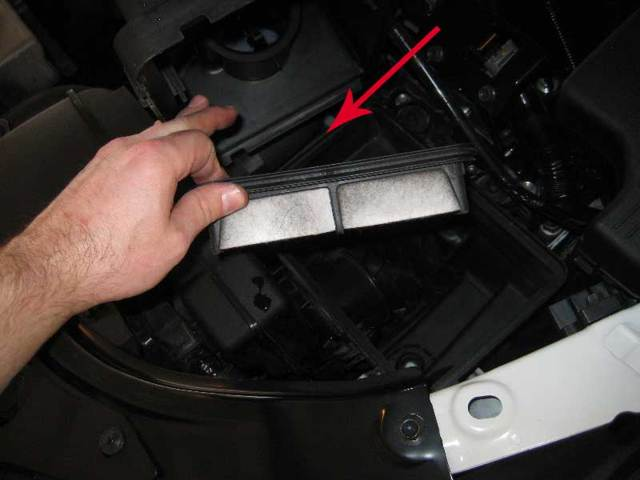 Воздушный фильтр на Мазда cx-5: где находится, замена