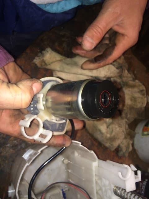 Топливный фильтр на Тойота Королла 120: замена