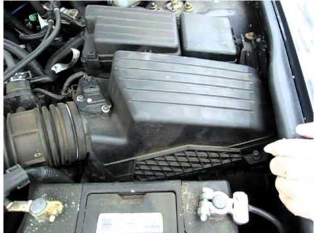 Воздушный фильтр на Хонда Аккорд 7: замена