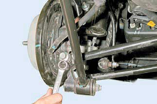 Задняя и передняя подвеска на Шевроле Лачетти: замена, развал
