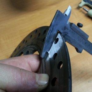 Минимальная толщина тормозных дисков: как измерить, какая должнать быть