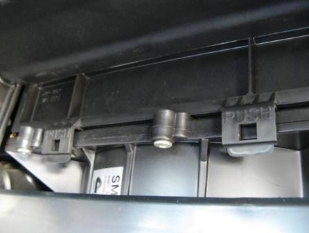 Воздушный фильтр на Ниссан Альмера Классик: где находится, замена