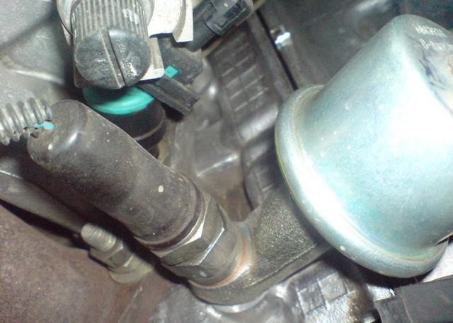 Датчик давления масла ВАЗ 2106: где находится, замена