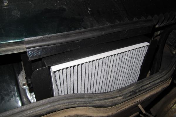 Салонный фильтр ВАЗ 2111: где находится, замена