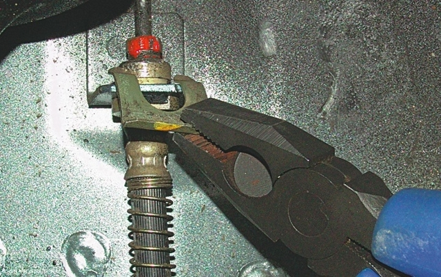 Задняя и передняя подвеска на Митсубиси Лансер 9: замена, развал