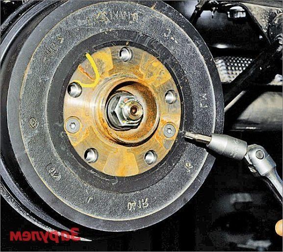 Тормозные диски на Рено Дастер: выбор и замена